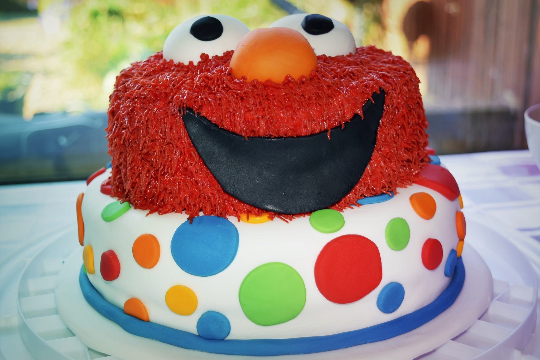 Making An Elmo Birthday Cake