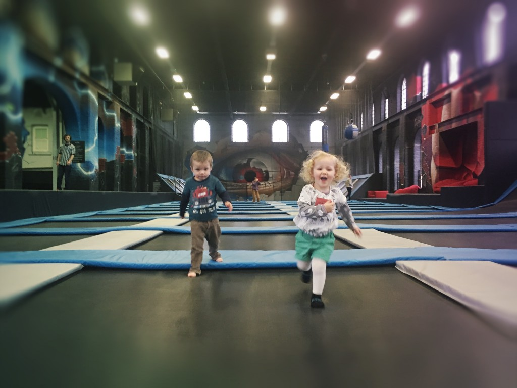 toddlers-trampolining-glasgow