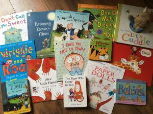 The Toddler's Favourite Books: Age 2