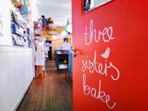 Crafty Play Cafe at Three Sisters Bake