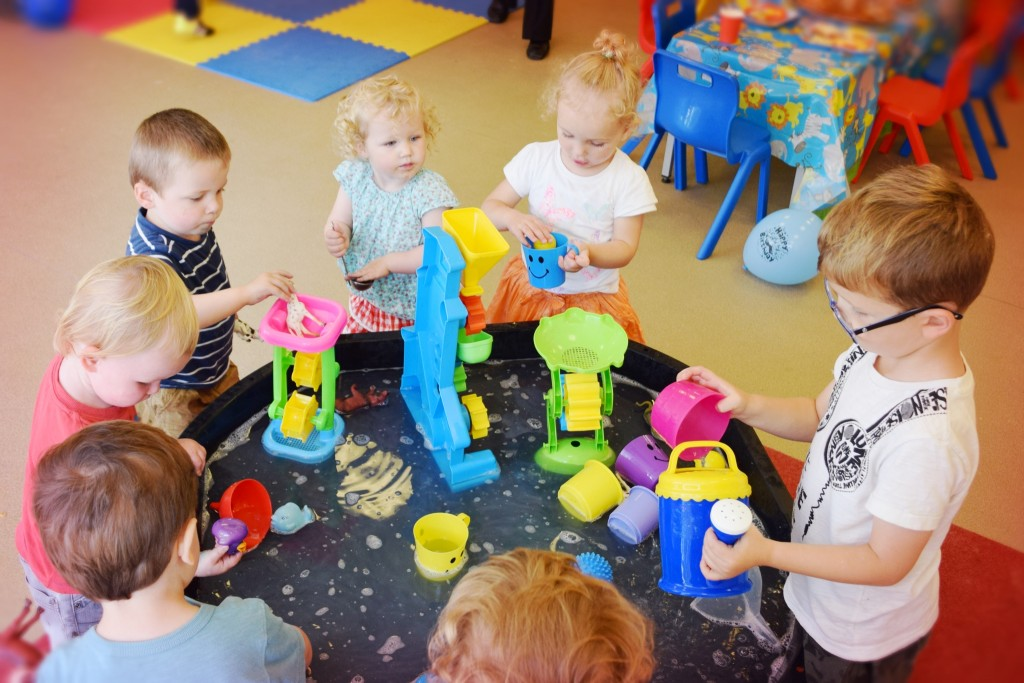 kids-birthday-party-glasgow-the-messy-place