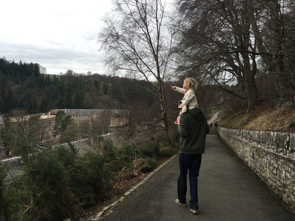 new-lanark-walk-from-car-park