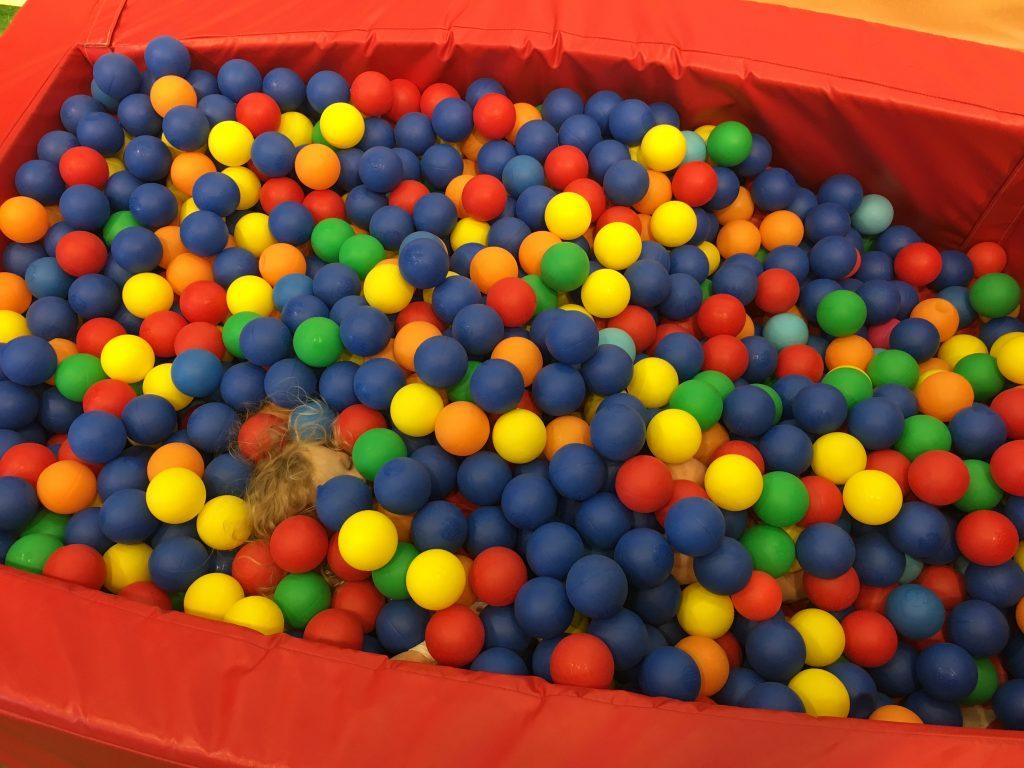 glasgow-indoor-beach-ball-pool