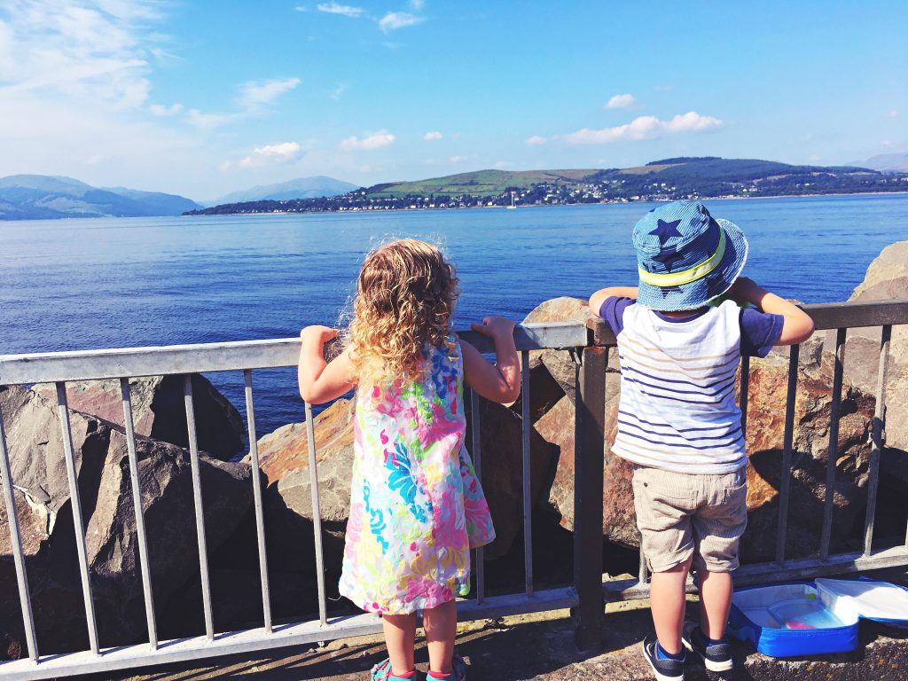 gourock-outdoor-pool-with-kids